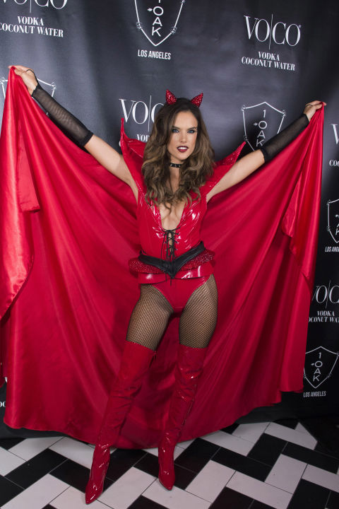 Halloween, costume, celebrități, Hollywood, VIP, modă, design, fashion, party, personaje